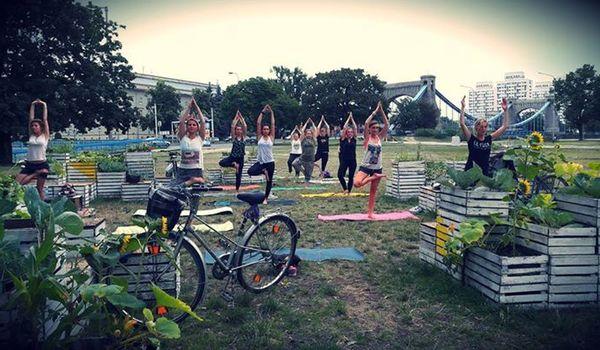 Going. | Fit Street Yoga - Plac Społeczny Przestrzeń Kreatywna