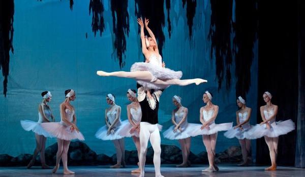 Going.   Narodowy Teatr Baletu Z Odessy - Jezioro Łabędzie W Chorzowie