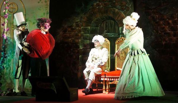 Going. | Księżniczka na ziarnku grochu - Teatr Współczesny