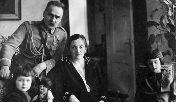 """Going.   Wiosenne Spacery. """"Z Marszałkiem Piłsudskim Po Łazienkach"""" - Muzeum Łazienki Królewskie w Warszawie"""