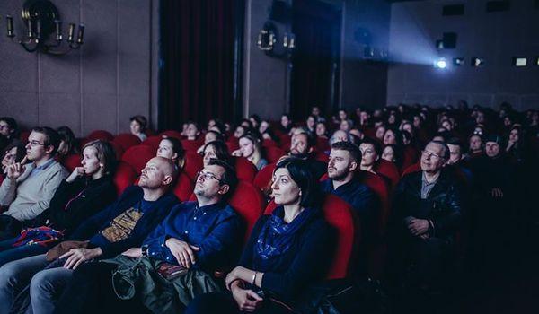 Going.   Pasmo Filmowe Na Festiwalu Conrada - Kino Pod Baranami