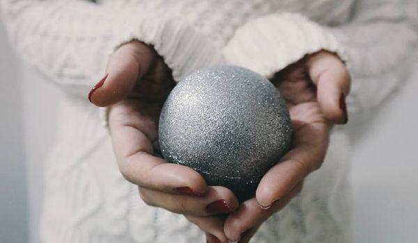 Going. | Świąteczna Bombka, czyli malowanie ciążowych brzuszków - Laboratorium Innowacji Społecznych