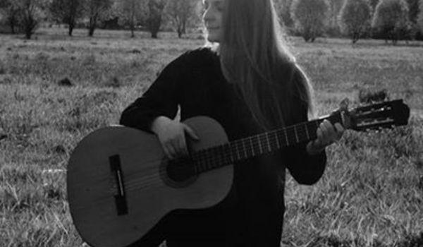 Going. | Katka Kotecka i Zuzanna - Otwarta Przestrzeń Światłownia