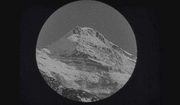 Going. | Pokaz Filmu Niemego The Epic Of Everest - Małopolski Ogród Sztuki