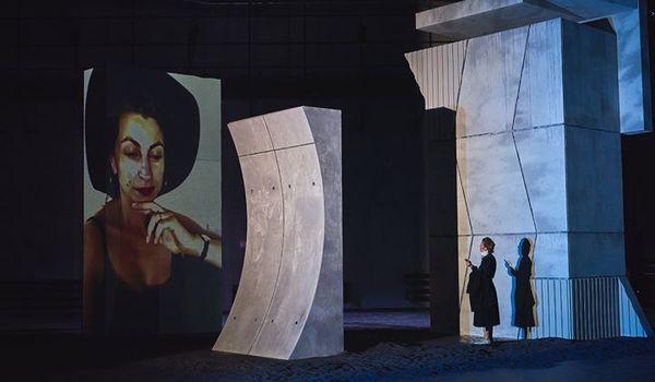 Going. | Wszystko o mojej matce - Nowy Teatr