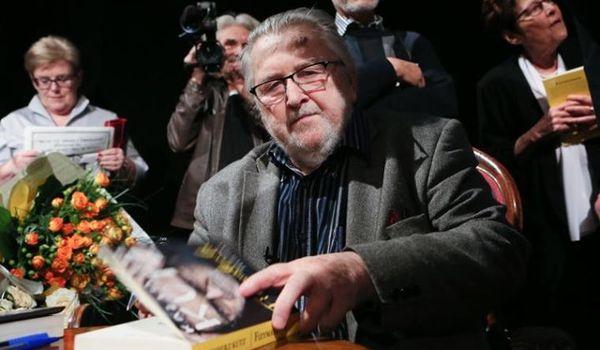 Going. | Przepytujemy Kazimierza Kutza / 89. urodziny artysty w teatrze - Teatr Śląski im. Stanisława Wyspiańskiego - Duża Scena