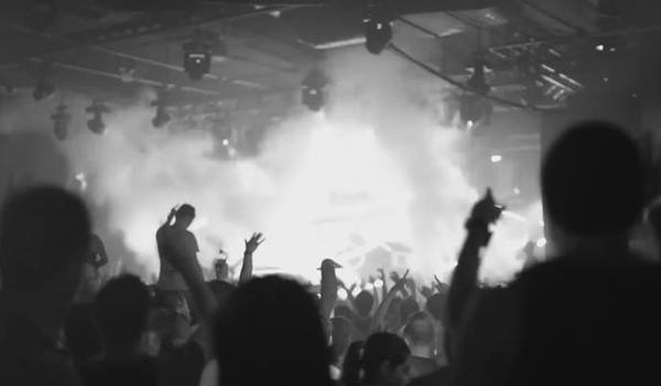 Going. | Dead Party – Halloween Night - Metronom