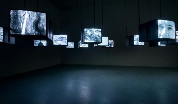 Going.   Wystawa Dykteryjki* / Anecdotes** Pawlak & Stawarski