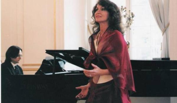 Going. | Grażyna Mądroch - Karnawałowy Wieczór Operetkowy