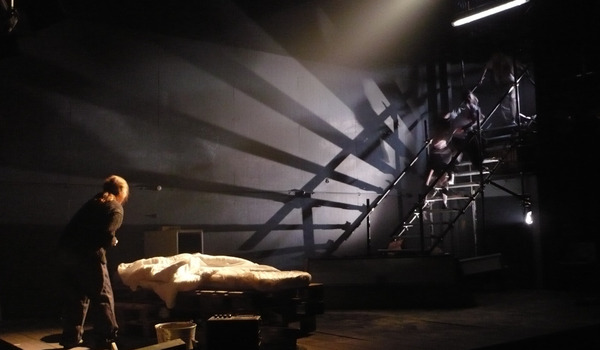 Going. | Sola - Teatr Barakah / ArtCafe Barakah