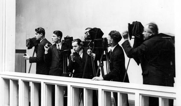 Going.   Marjan Fuks. Pierwszy Fotoreporter Ii Rp – Oprowadzanie Kuratorskie I Warsztaty - Dom Spotkań z Historią