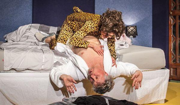Going. | Rubinowe Gody / Komedia nieromantyczna - Teatr Druga Strefa