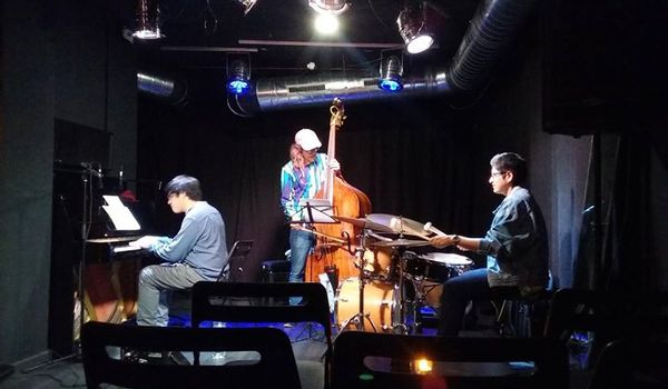Going. | Ezequiel Balseca Trio - Piec' Art Acoustic Jazz Club