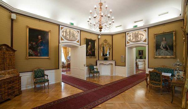 Going.   Komnaty Królewskie - Muzeum Historyczne - Pałac Królewski - Oddział Muzeum Miejskiego