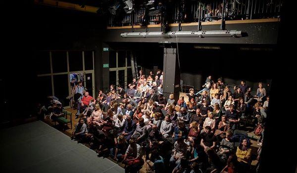Going.   Premiera: Opowieść Niepokojąca / Trójmiejski Kolektyw Twórczy / - Gdański Teatr Tańca
