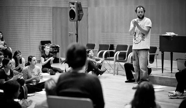 Going. | Warsztaty body music zTomaszem Krzyżanowskim - Teatr Chorea